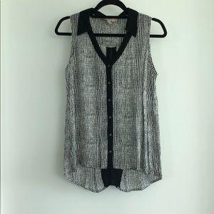 Sleeveless black & beige blouse